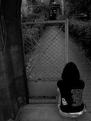 alone girl profile pics for whatsapp facebook