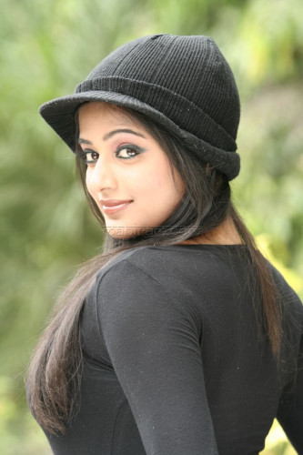 Girl With Cap Profile Pics For Whatsapp Facebook