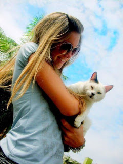 girl with cat profile pictures for facebook whatsapp