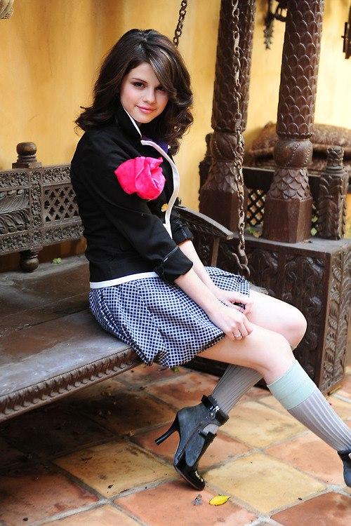 selena gomez profile pictures for whatsapp, facebook