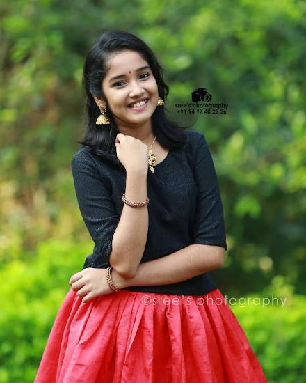 Anikha Surendran pics