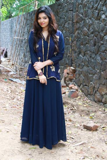 Athulya Ravi pics