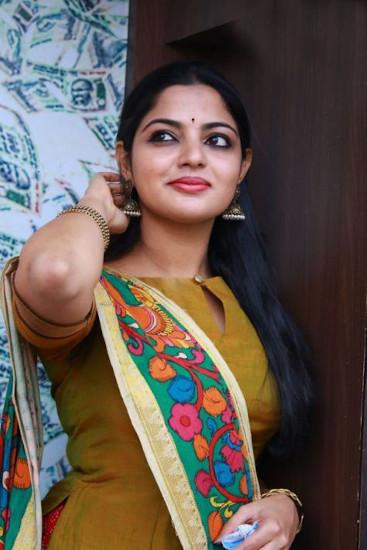nikhila vimal pics