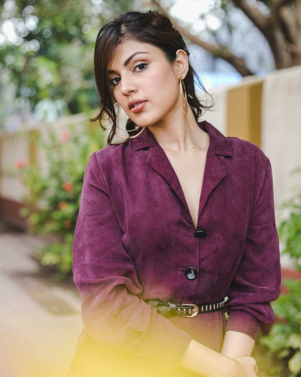 rhea chakraborty profile pictures