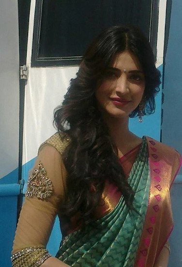 shruti haasan profile pictures