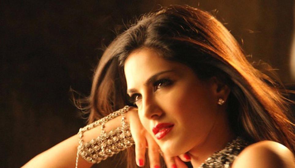 Sunny Leone profile pictures