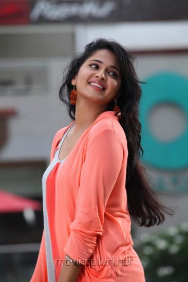 anushka shetty  profile pictures