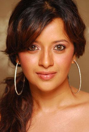 Reema Sen  profile pictures