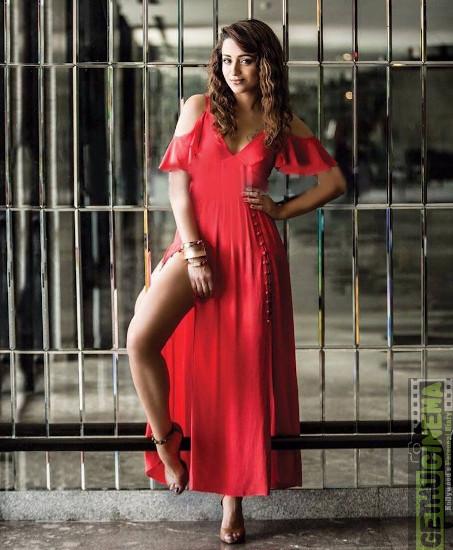 Trisha  profile pictures