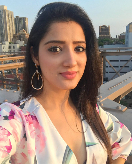american girls dp profile pictures for whatsapp facebook