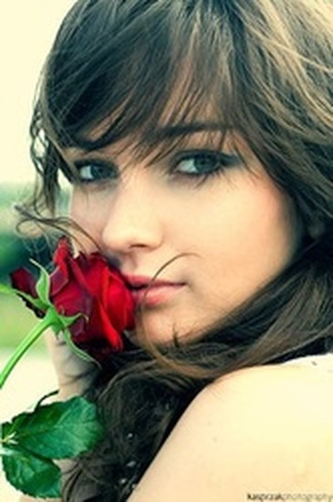 Girls with Rose profile pictures