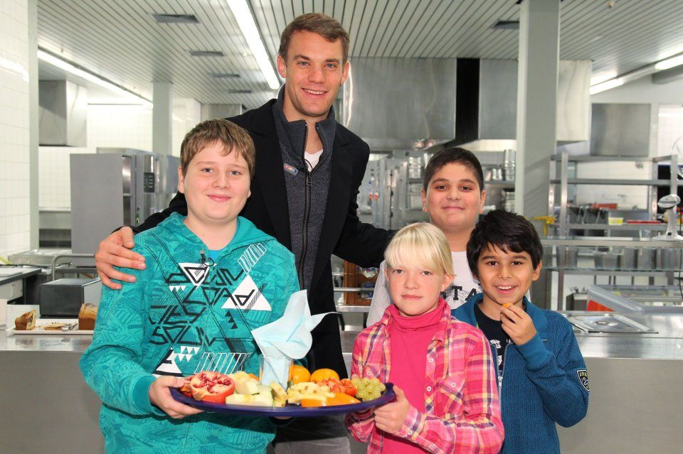 manuel neuer dp profile pictures for whatsapp facebook