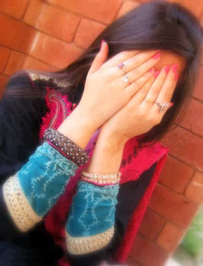photo of girls hiding face № 13576